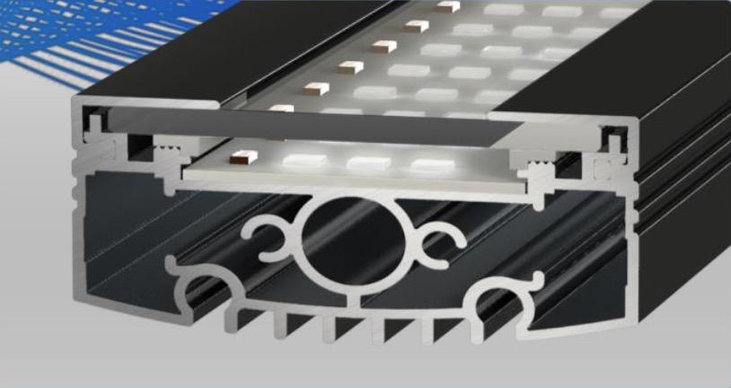 Fabrication robuste pour une rampe d'éclairage solide
